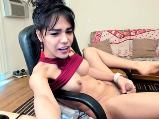 Steamy big-boobed chinese cougar playing spunking