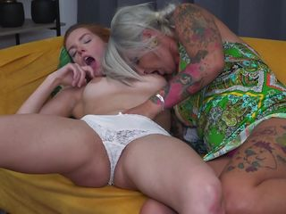 Whorish inked cougar enticed A fresh unexperienced slave
