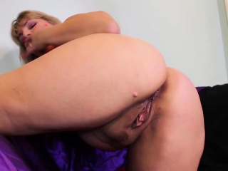 Adult with broad in the beam gut loves in the matter of masturbate
