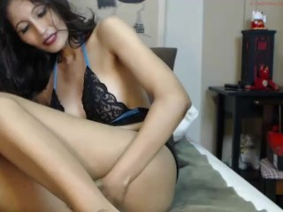 Down in the mouth Asian Milf fingertips unaffected by Webcam