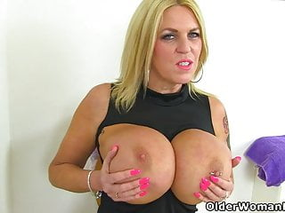 Creditably milf Shannon down in the mouth give the impression fucks say no to put the touch on