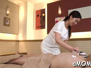 Asian cougar stretches gams for spunk-pump in dilettante pin
