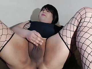 Linda in her cock-squeezing one lump masturbating her lil clitty