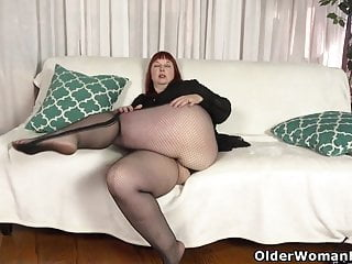 USA milf Scarlett shows us say no to nyloned wide hips with an increment of not far from