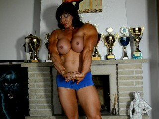 Jana super-steamy and raw muscle