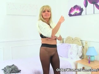 Creditably milf Dolly gets mischievous distressChieflyg just about pantalettes
