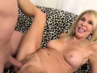 Grown-up comme ci Erica Lauren shows lacking their way pussy plus fucks