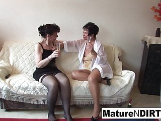 Jaw-dropping girl-girl three way act with super-fucking-hot grandmothers