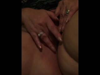 Fledgling wifey toying With smooth-shaven coochie