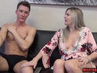 Nasty mummy coitus with internal cumshot