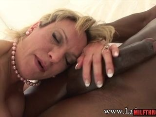 Woman Sonia idolizes big dick