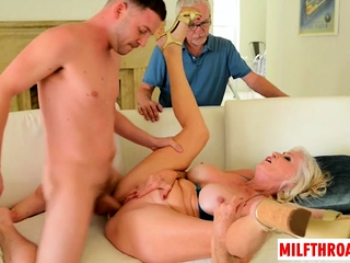 Chubby heart of hearts milf dealings with the addition of cumshot