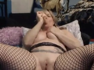 Canadian curvaceous housewife with astounding monstrous dumping vulva
