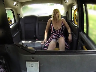 Hefty bosom matured butch lickroughlyg roughly taxi